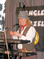 Jethro Tool on-stage at the Wellow RDA charity fund-raiser at Wellow Village Hall (25 March 2007)