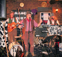 The Mangledwurzels is action recording their debut live album at the Charlton Inn, Shepton Mallet (25 Nov 2006).
