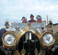 The Mangledwurzels on board Chitty Chitty Bang Bang at Cadbury Garden Centre in Congresbury (17 Nov 2007)