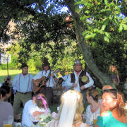 The Mangledwurzels performing for the bridge at wedding reception, Batcombe (3 Sept 2005)