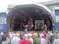 The Mangledwurzels performing 'Twice Daily' at the EDF Energy Bristol Harbour Festival (2 Aug 2008)